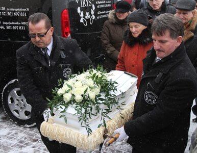 Pogrzeb Madzi: żałobnicy nie uszanowali woli rodziny