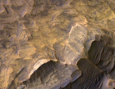 NASA publikuje niezwykłe zdjęcia z Marsa. Na tym obszarze mogła być woda