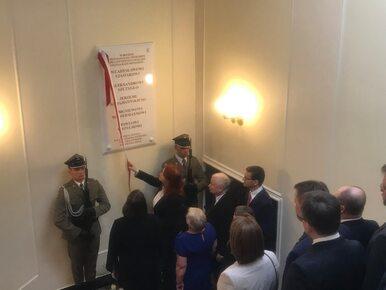 W KPRM odsłonięto tablice upamiętniające ofiary katastrofy smoleńskiej