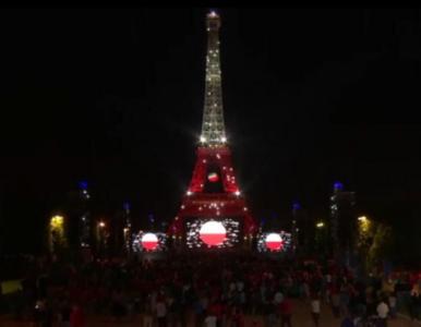 Tym razem się udało! Biało-czerwona wieża Eiffla