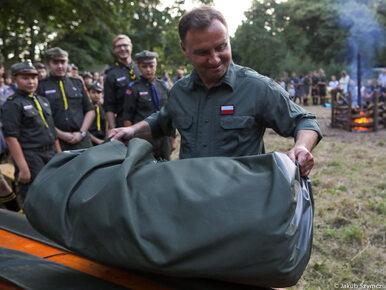 Prezydent Duda odwiedził harcerzy w Podgrodziu. Wziął udział we wspólnym...