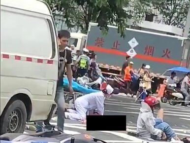 Kierowca busa wjechał w ludzi. Taranował tłum na odcinku 80 metrów