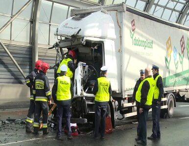 Autobus z dziećmi zderzył się z ciężarówką. Karambol na Trasie Toruńskiej