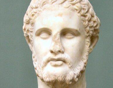 13-metrowy ojciec Aleksandra Macedońskiego poróżni Greków i Macedończyków?