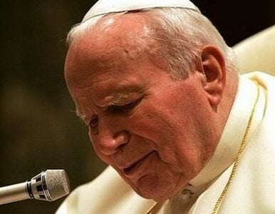 """Dziwisz odpiera zarzuty, ale papież """"rozprzestrzenia się po kraju"""""""