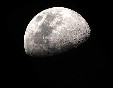 """W piątek częściowe zaćmienie """"truskawkowego Księżyca"""". O której godzinie..."""