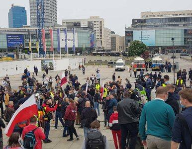 Protest przedsiębiorców w Warszawie. Policja: Celowe lekceważenie prawa