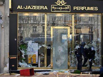 """Zamieszki podczas protestu """"żółtych kamizelek"""" we Francji. Splądrowali..."""