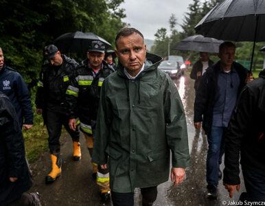 Andrzej Duda odwiedził tereny dotknięte ulewami. Kancelaria opublikowała...