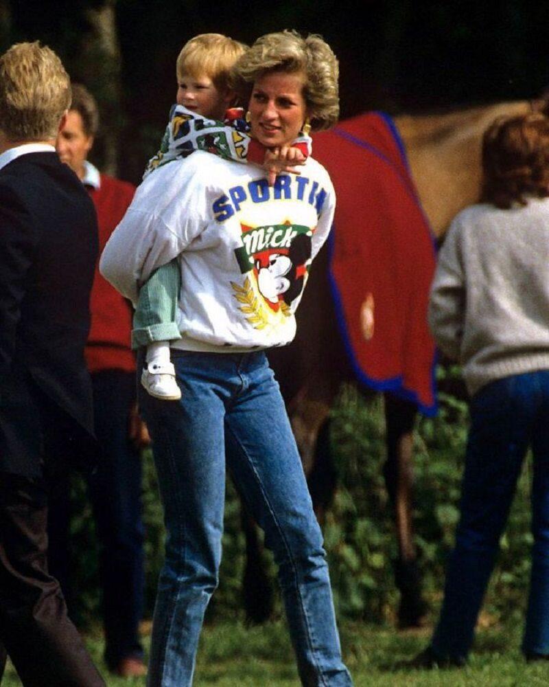Księżna Diana zabrała dzieci do Disneylandu. Czekała w kolejce, jak wszyscy inni