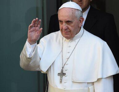 Rozwodnicy i homoseksualni katolicy poza Kościołem. Papież apeluje o...