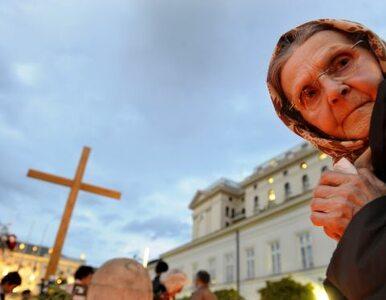 Kościół: decyzja ws. krzyża należy do Kancelarii Prezydenta