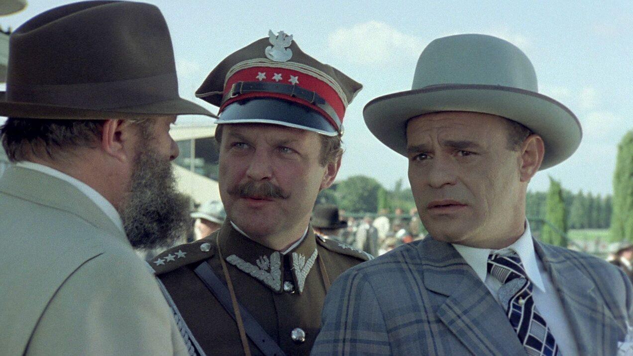 """Ile odcinków miał emitowany przez Telewizję Polską od 6 kwietnia do 18 maja 1980 roku serial """"Kariera Nikodema Dyzmy""""?"""