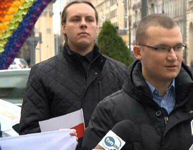PiS walczy z tęczą na Placu Zbawiciela