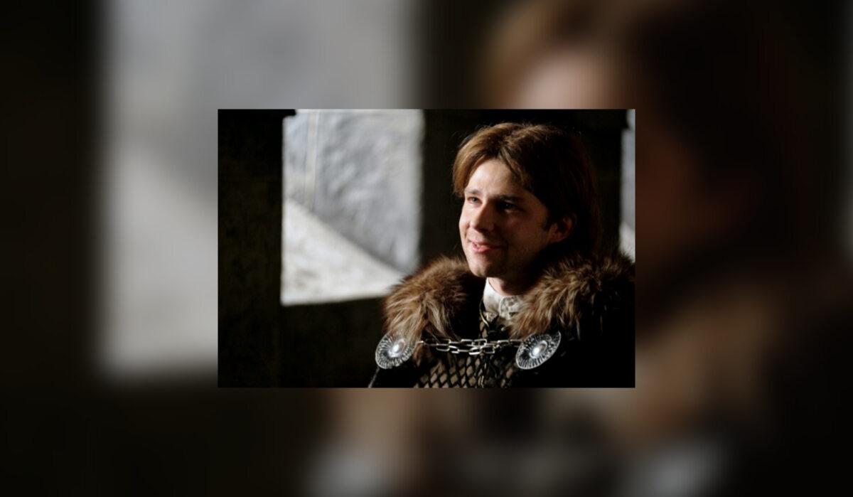 Bolko II Mały (Andrzej Popiel) Był synem księcia świdnickiego Bernarda i Kunegundy Łokietkówny. Po śmierci ojca w 1326 r. objął rządy w bardzo trudnym momencie, kiedy na Śląsku trwała ekspansja czeska. Bolko przez wiele lat opierał się Luksemburgom zarówno zbrojnie, jak i prowadząc aktywną politykę dyplomatyczną. Dobre stosunki łączyły go z Kazimierzem Wielkim, cesarskim dworem Wittelsbachów, a także rządzącymi na Węgrzech Andegawenami i rodziną Habsburgów, z której pochodziła żona Bolka – Agnieszka. Chroniony przez liczne sojusze Bolko stał się ostatnim niezależnym oraz najpotężniejszym księciem na Śląsku, który nigdy nie dał narzucić sobie obcej zwierzchności. Oprócz zdolności dyplomatycznych znany był także z twardych rządów, potrafił siłą zmusić do posłuszeństwa swoich poddanych. Umierając w 1368 r. Bolko nie miał jednak komu przekazać swojego księstwa, gdyż z wieloletniego małżeństwa z Agnieszką nie doczekał się potomka. Pogodzony ostatecznie z królem czeskim Karolem IV, wydał za niego swoją bratanicę Annę, dzięki czemu Luksemburgowie nabyli prawa do księstwa świdnicko-jaworskiego
