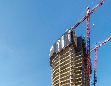 Mennica Legacy Tower przekroczyła wysokość 100 metrów