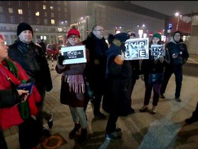 Demonstrowali przed TVP i atakowali Ogórek. Teraz tracą pracę i są...