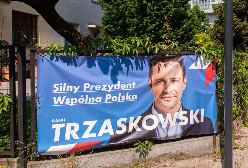 Baner Rafała Trzaskowskiego
