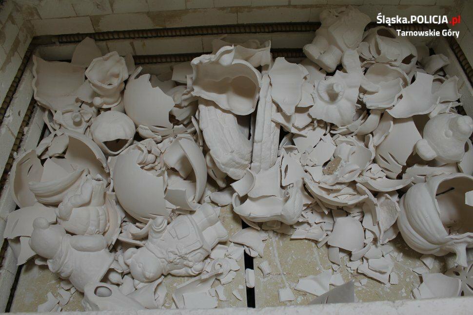 Zniszczona hurtownia w Tarnowskich Górach