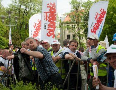 Solidarność zdobywa zaufanie Polaków