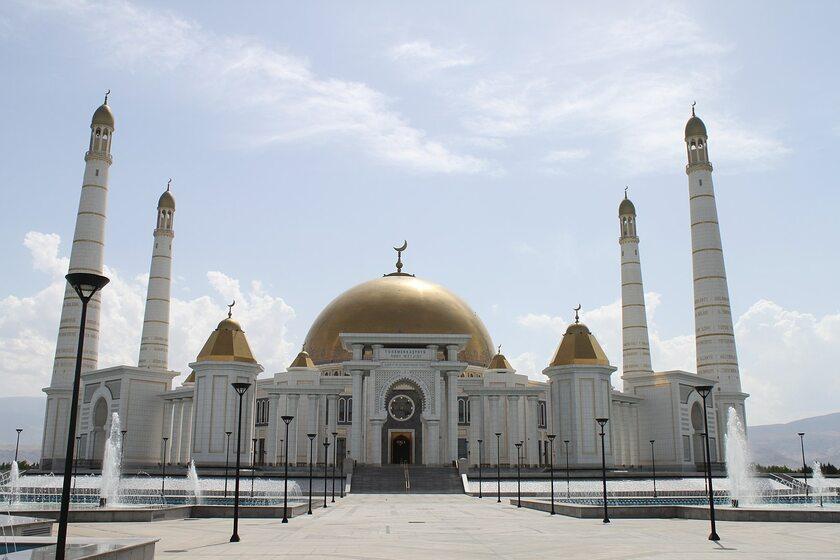 Meczet Türkmenbaşy Ruhy w pobliżu Aszchabadu