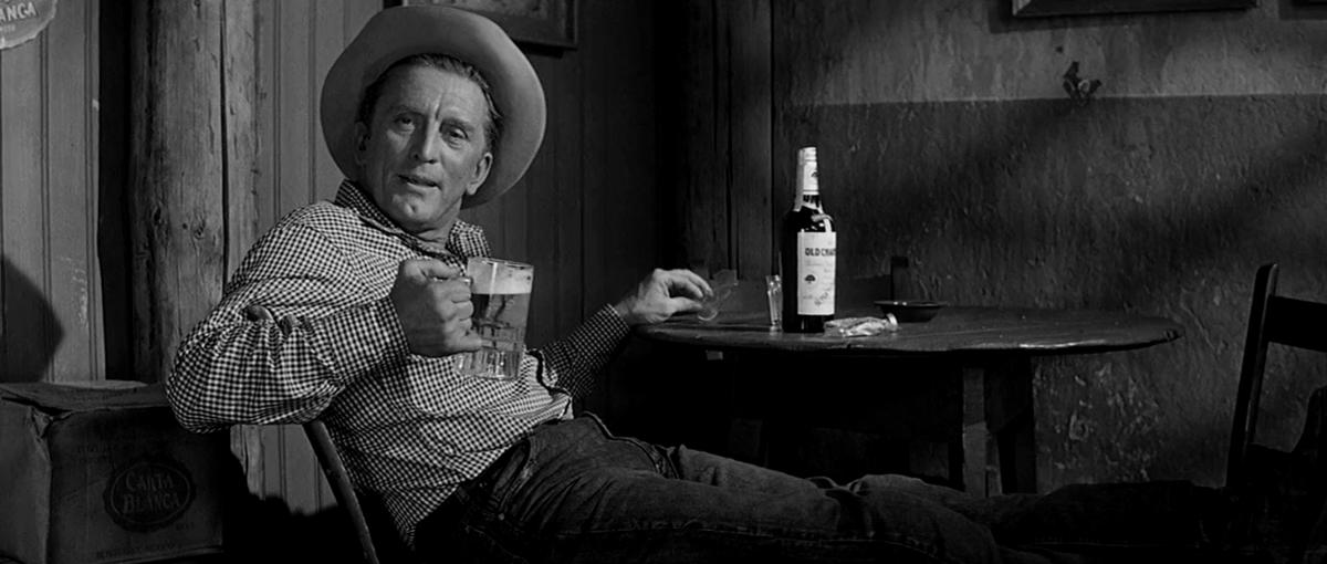 """Kirk Douglas w filmie """"Ostatni kowboj"""" (1962)"""