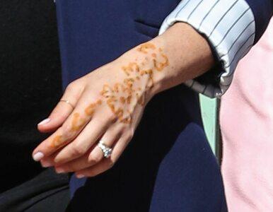 Na dłoni księżnej Meghan pojawił się tajemniczy rysunek. Co oznacza ten...