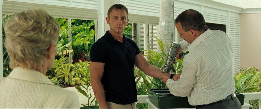 """Judi Dench i Daniel Craig w filmie """"Casino Royale"""" (2006)"""