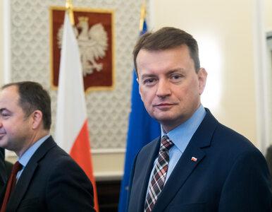 """TVP oskarża Fundację """"Otwarty Dialog"""" o handel bronią. MSWiA nie..."""