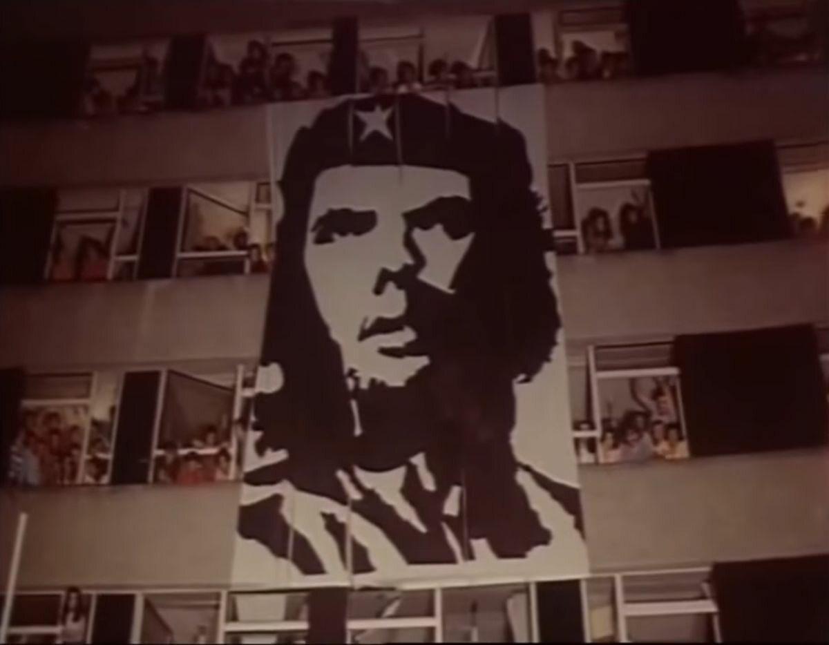 Wizerunek Che Guevary na trasie przejazdu Fidela Castro