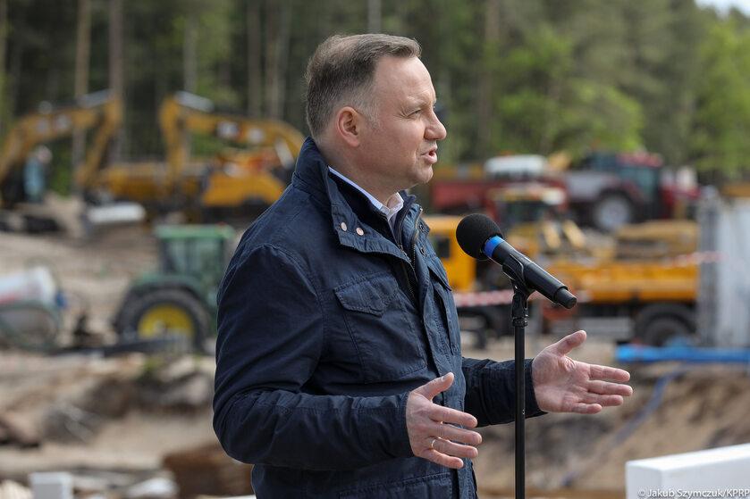 Wizyta prezydenta i premiera na terenie przekopu Mierzei Wiślanej