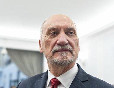 Macierewicz: Według wypowiedzi Sikorskiego, Putin proponował rządowi...