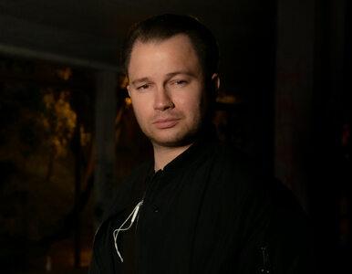 Co robi syn Jarosława Gowina? Rozwozi dzieciom maseczki i tworzy...