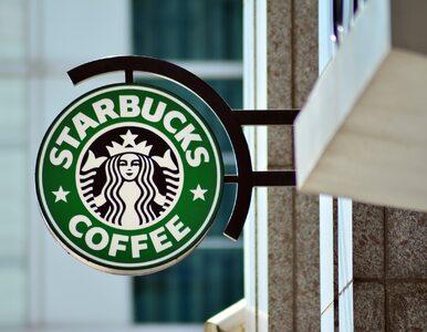 """Do Starbucksa tylko w maseczce. Jej noszenie to teraz """"sprawa polityczna"""""""