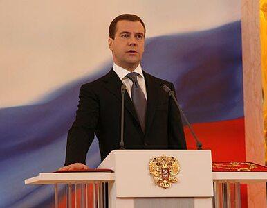 Włosi kochają Miedwiediewa - wiszą rosyjskie flagi, narty w prezencie