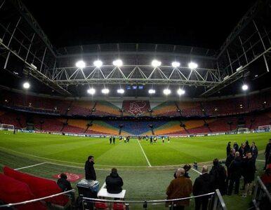 Ajax - Barcelona. Kibic spadł z pięciometrowej trybuny