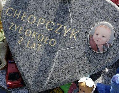 """Rodzice dwuletniego Szymona trafią do aresztu? """"Istnieje obawa matactwa"""""""