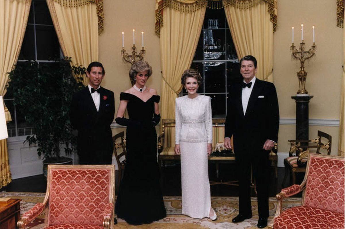 Diana i Karol z Nancy Reagan i Ronaldem Reaganen w 1985 roku