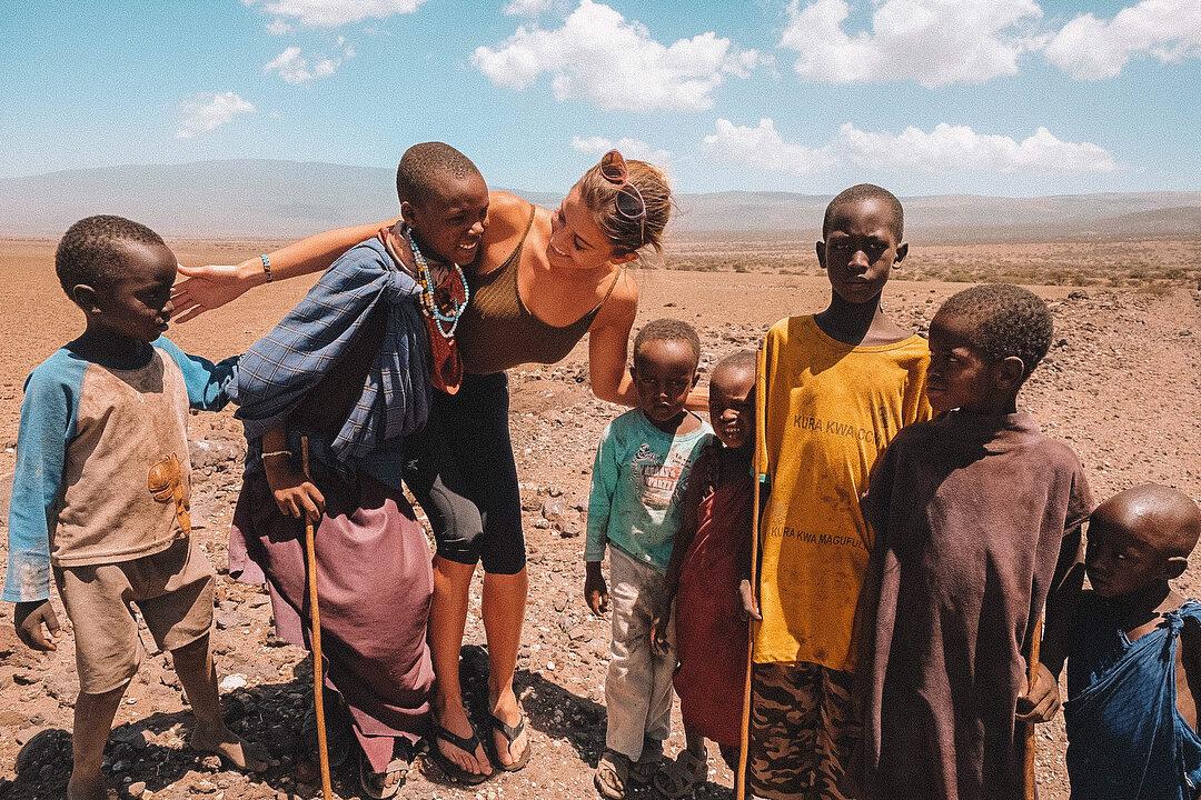 Lexie Alford w Tanzanii